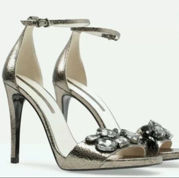 482d2d2df48 Zara Woman Heels with Rhinestone size 7